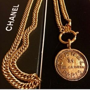 🍒CHANEL-CC Medallion Gold Plated ChainNecklace